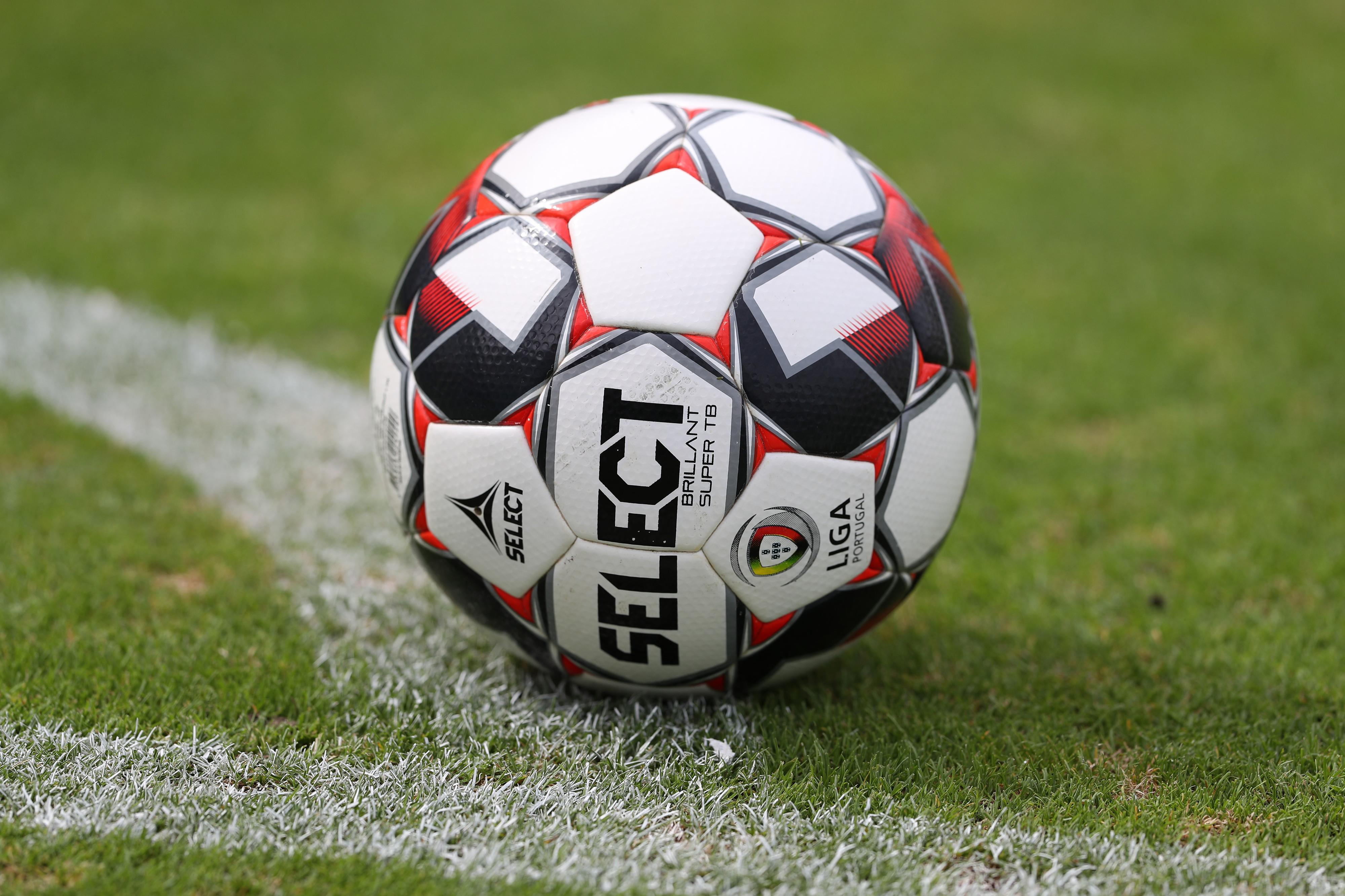 Clubes da I Liga preparam-se para cortes: Três grandes perto de acordo com jogadores