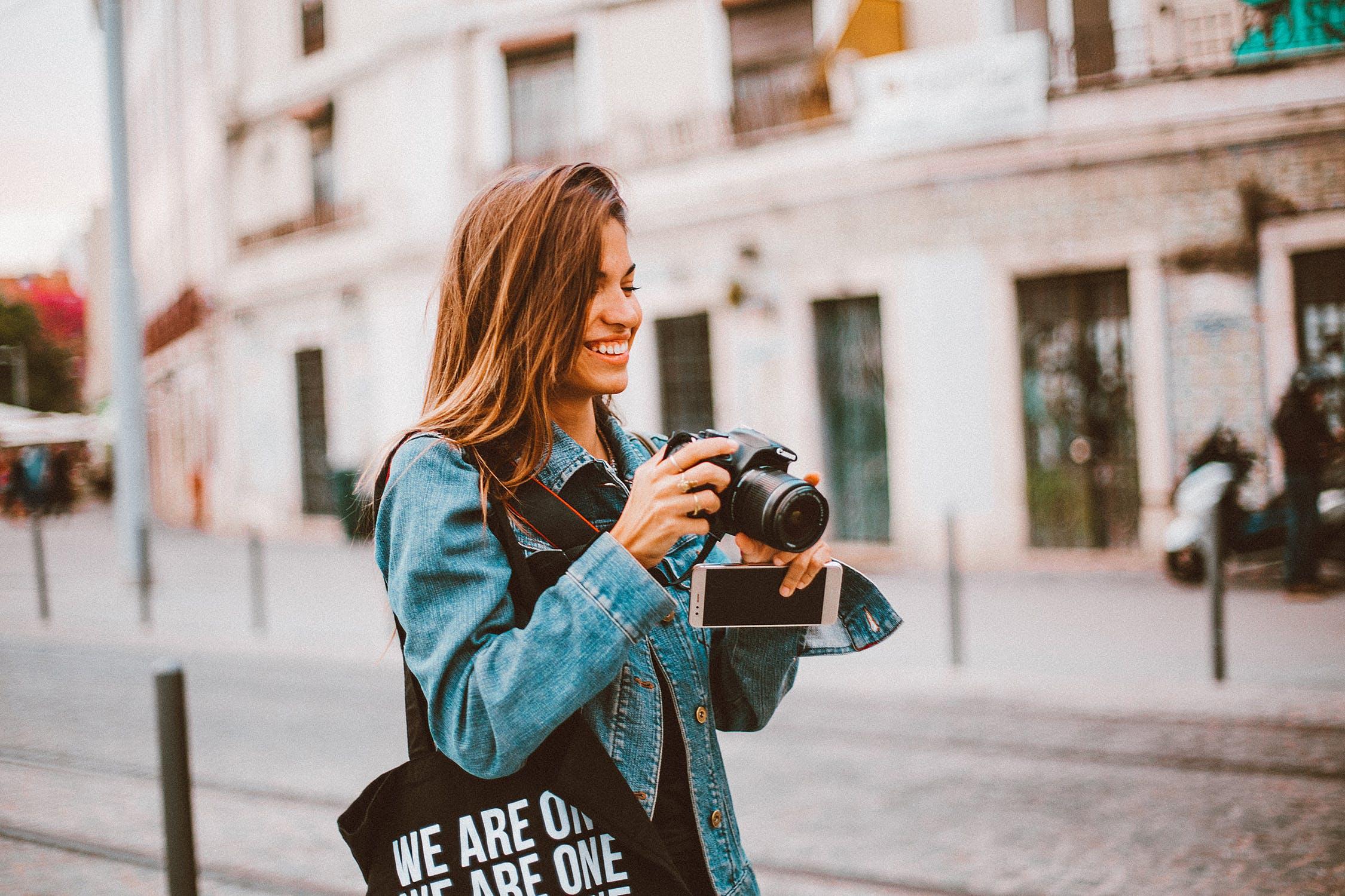 10 cidades globais preparadas para mulheres que viajam sozinhas