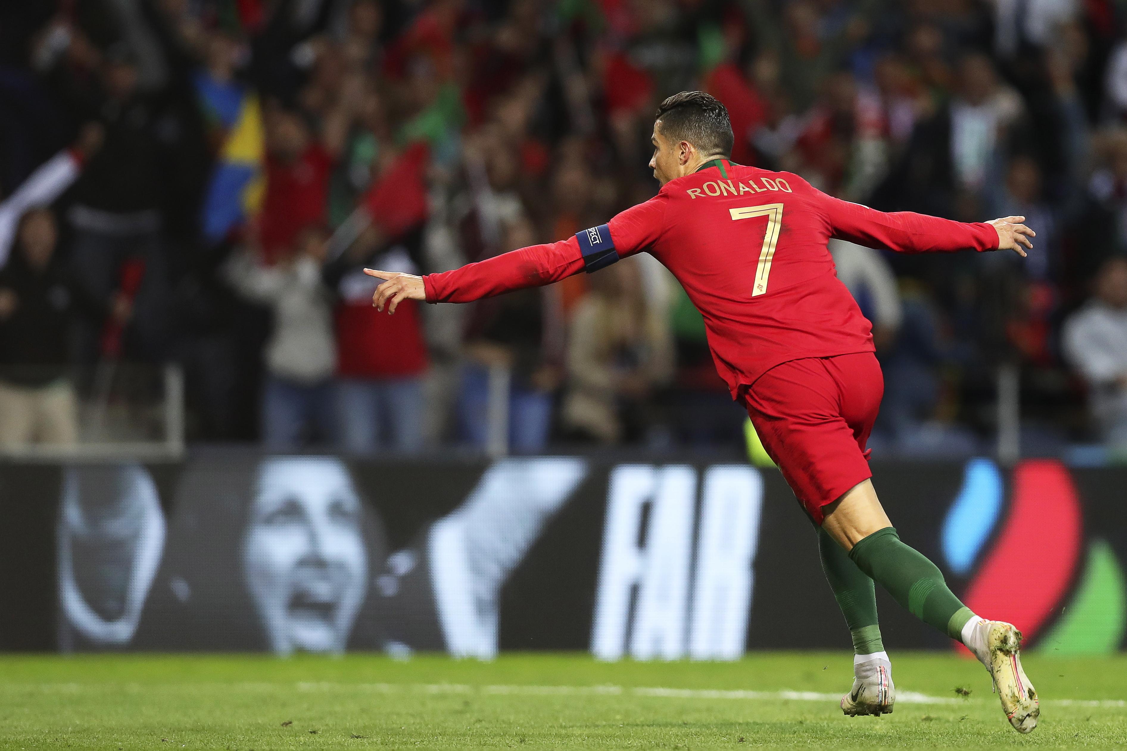 Ronaldo à beira do golo 700. Benfica é um dos resistentes, Sevilha a 'vítima' preferida
