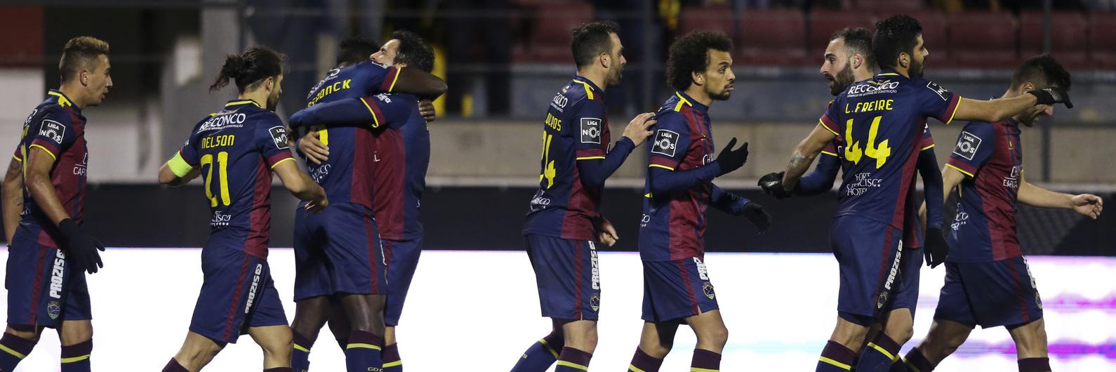 I Liga: Chaves vence Nacional e sobe ao sexto lugar. Hamzaoui fica 24 horas em observação no hospital