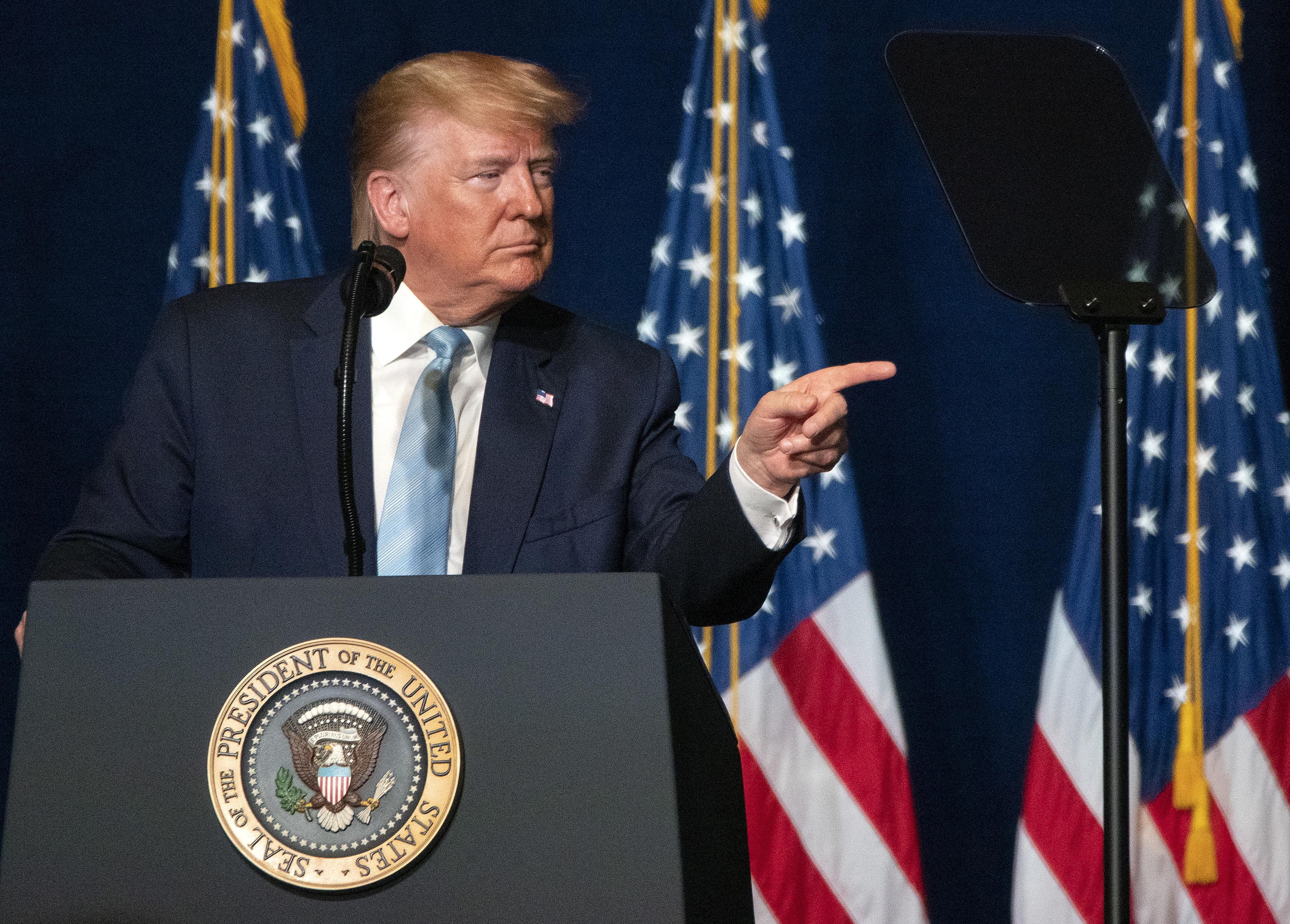 """O impeachment """"é uma tentativa descarada e ilegal de anular os resultados das eleições de 2016"""". Advogados de Trump avançam com primeira linha de defesa"""