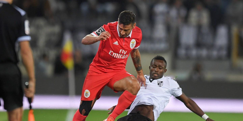Benfica só discute renovação com Salvio depois do Mundial