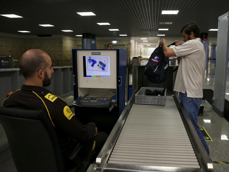 SEF: Três pessoas detidas no Aeroporto do Porto com documentos falsos
