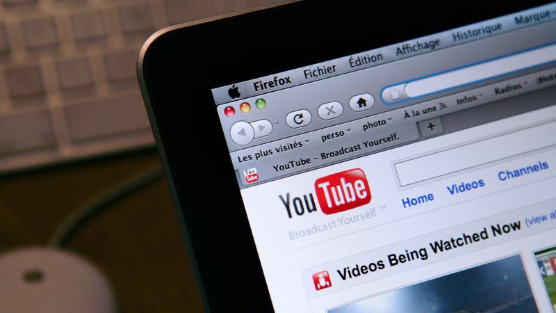 Youtubers portugueses promoveram sites ilegais de apostas, avança a Renascença