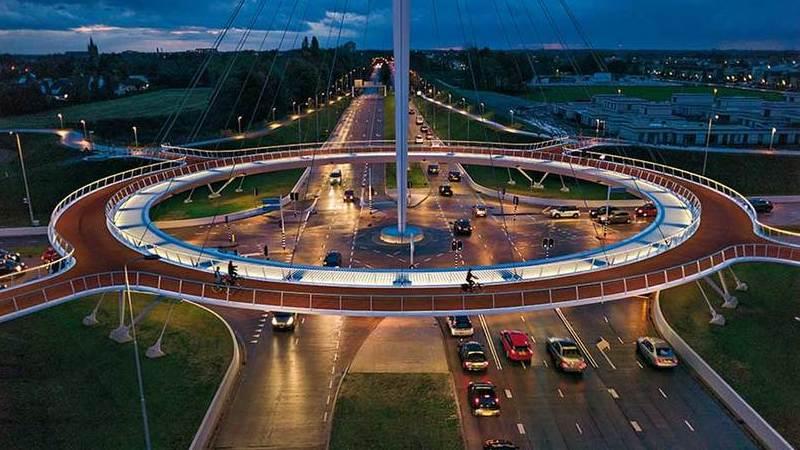 Eindhoven responde aos congestionamentos de tráfego com pista para ciclistas em forma de anel