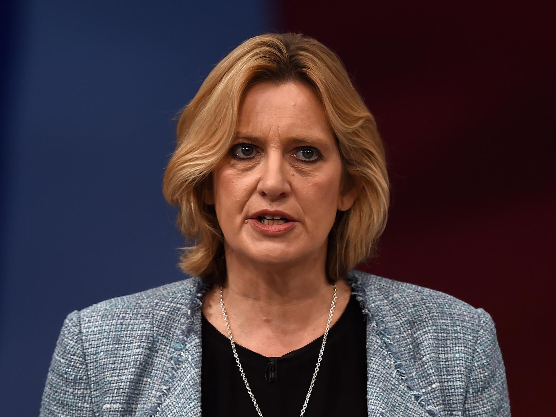"""Ataque em Manchester: Ministra do Interior britânica critica EUA por fugas de informação """"irritantes"""""""