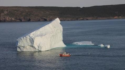 Funeral de um glaciar, icebergs em velocidade cruzeiro e Amazónia a arder