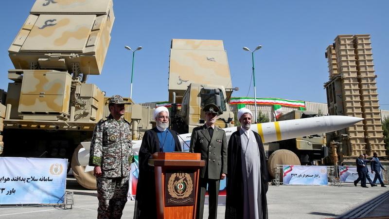 Irão revela novo sistema de defesa antiaérea de fabrico nacional