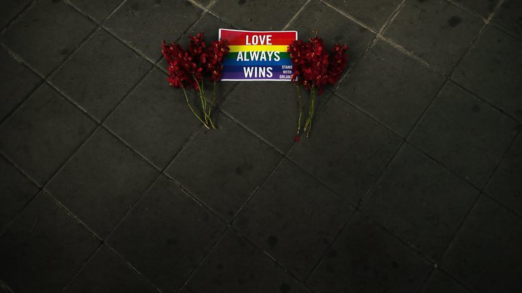 Memorial for Orlando shooting victims in Bangkok