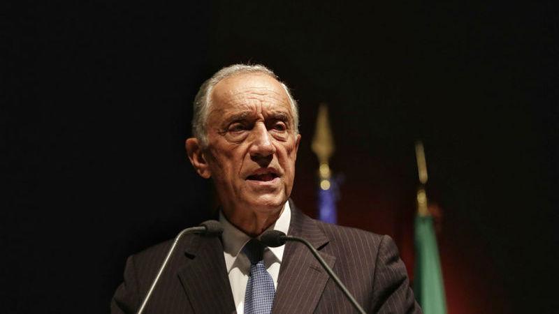 Marcelo promulga (com dúvidas) salário mínimo de 635,07 euros na função pública