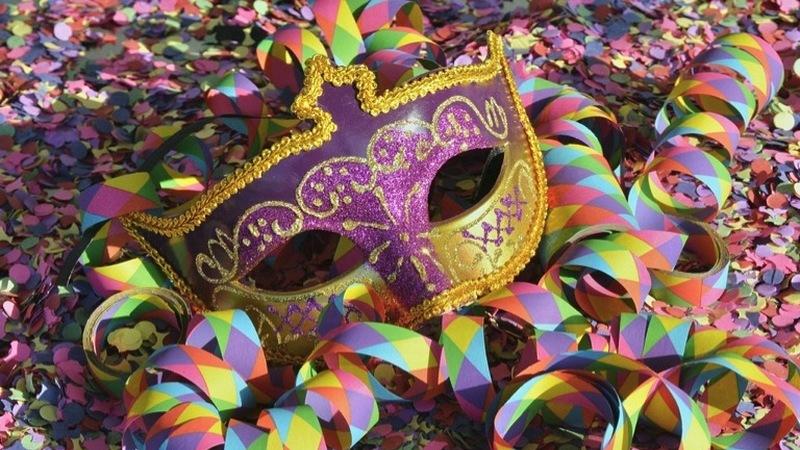 Descubra os melhores destinos e hotéis para festejar o Carnaval em Portugal