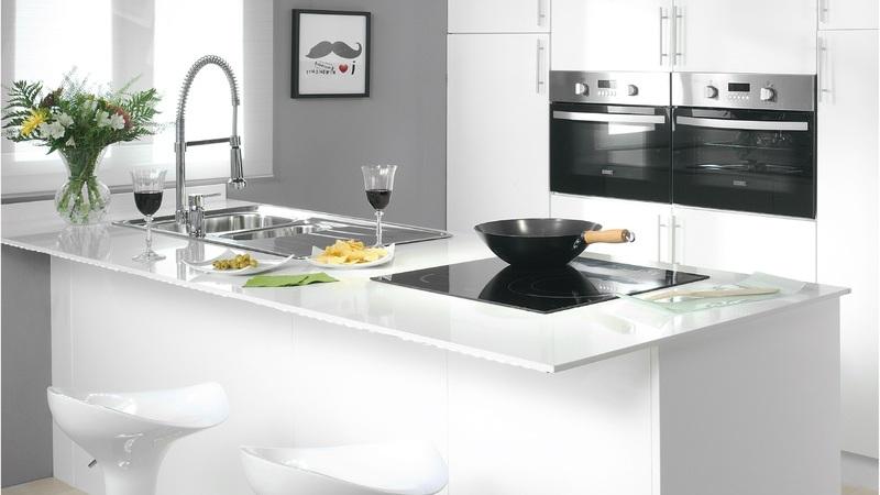 A pensar renovar a sua cozinha? Então este artigo é para si.