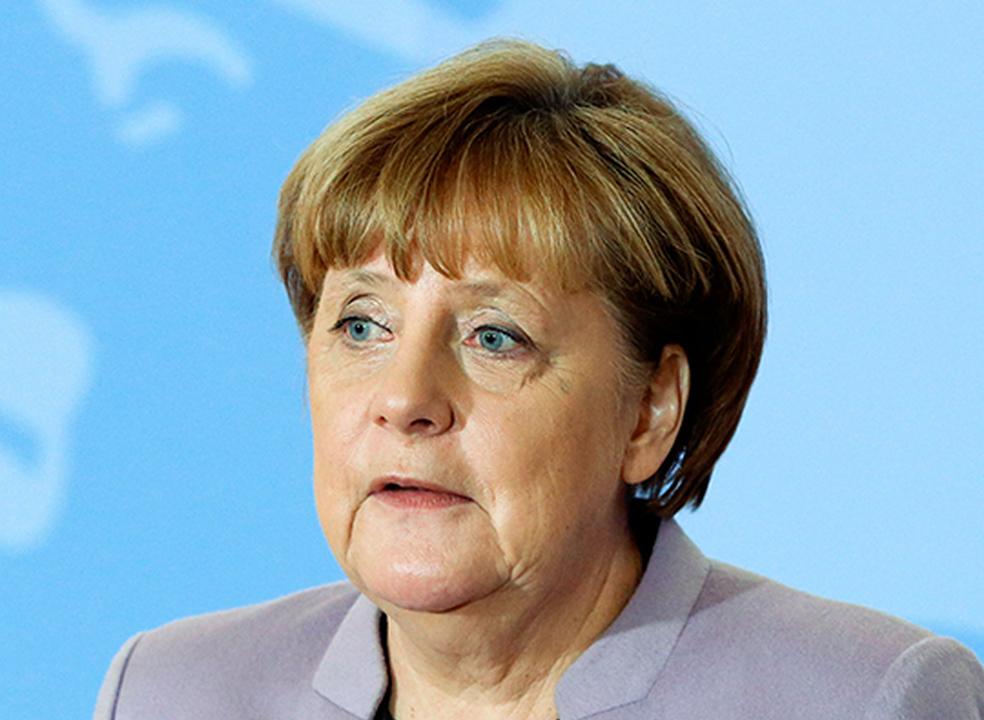Merkel diz que Rússia e extrema direita norte-americana são inimigos da Europa