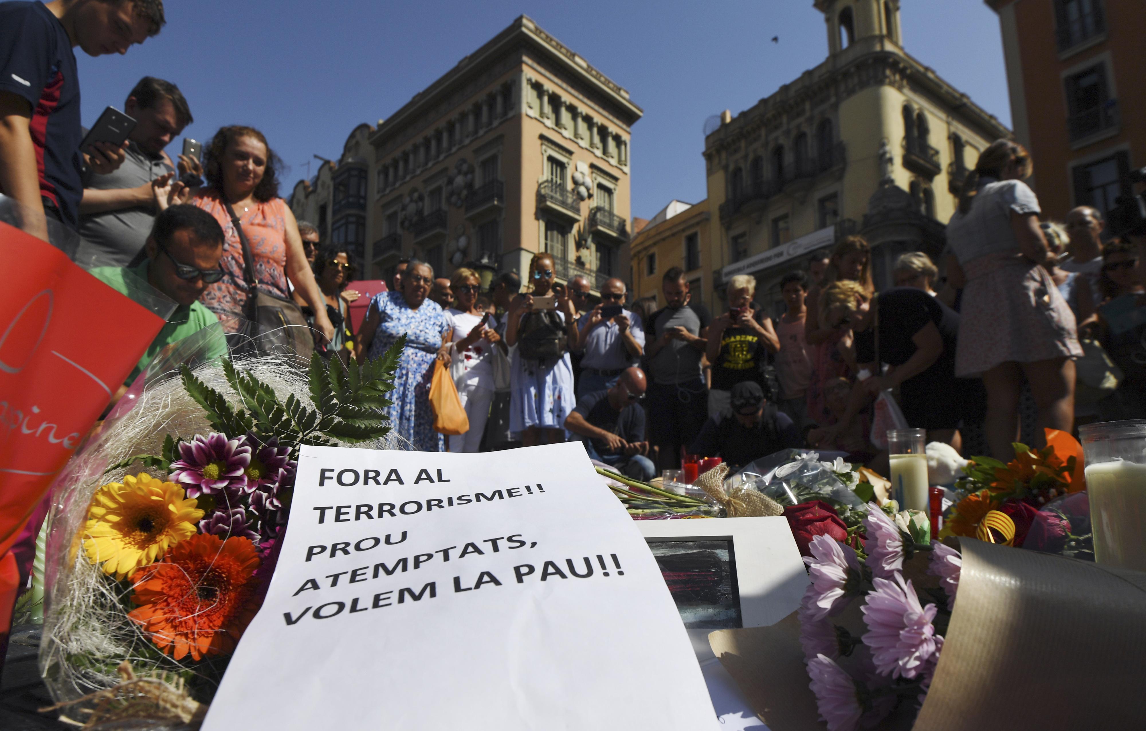 """Em Marrocos, a família de Driss e Moussa Oukabir está em choque. """"Estamos consternados, totalmente devastados"""""""