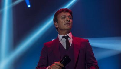 """O """"até já"""" de Tony Carreira em Guimarães: o concerto em fotos"""