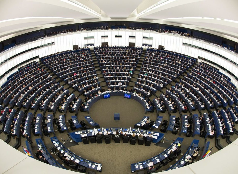 Conselho da União Europeia dá 'luz verde' a nova diretiva de direitos de autor