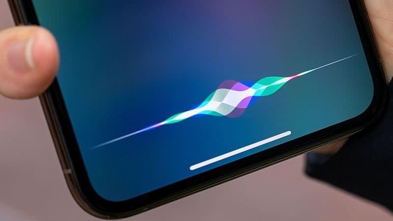 Vídeo: Google Assistant embaraça o Siri da Apple na transcrição da fala para texto