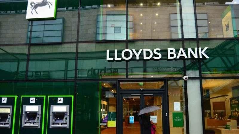 Lloyds Bank vai desdobrar-se em três depois do Brexit