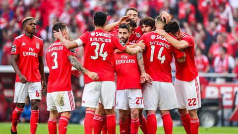 Benfica goleia Santa Clara e garante o '37' ao ritmo de uma goleada histórica