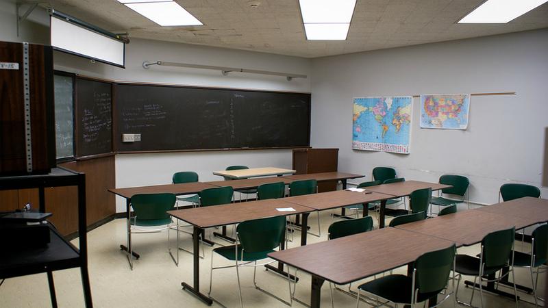 Greve dos trabalhadores não docentes pode fechar escolas nos próximos dois dias