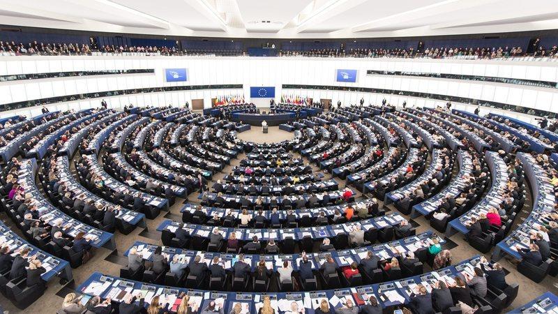 Europeias. Projeção diz que PS pode conquistar nono eurodeputado e CDS-PP chega aos dois