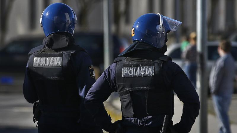 Loures. Sete detidos, entre os 18 e 24 anos, em operação da PJ e PSP no bairro da Quinta da Fonte