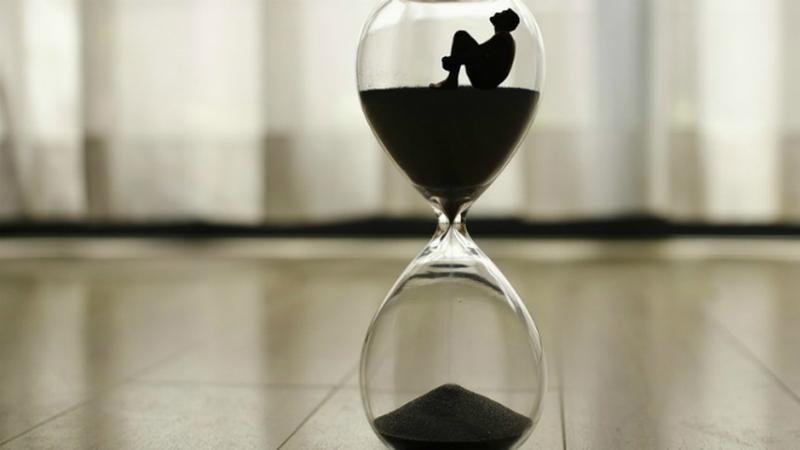 Chega sempre atrasado? Cientistas dizem que faz bem à saúde