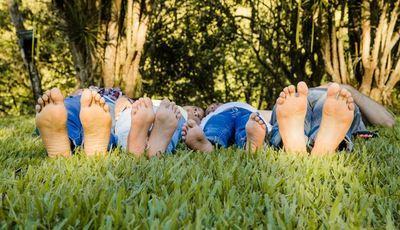 Cuidados com os pés no verão: recomendações da Associação Portuguesa de Podologia