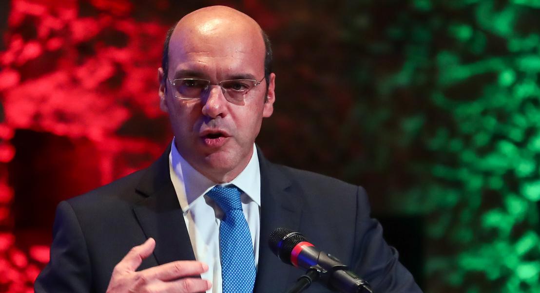"""Corte de fornecimento de petróleo deve ser tema de """"muito curto prazo"""", acredita o ministro da Economia"""