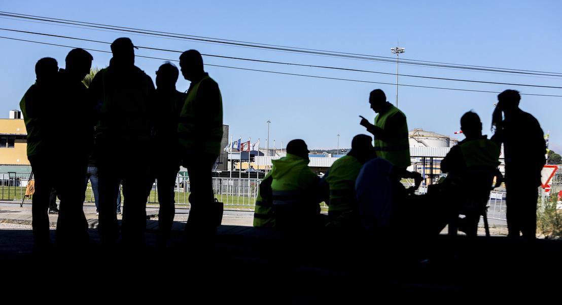 """Motoristas: Sindicato desconvoca a greve e ameaça com nova paralisação caso Antram se mostre """"intransigente"""""""