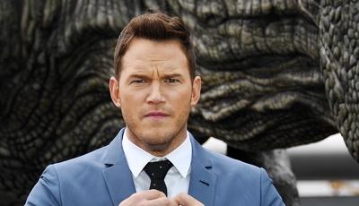 Redes sociais mais perigosas do que dinossauros? Chris Pratt arranja sarilho com vídeo sobre caça