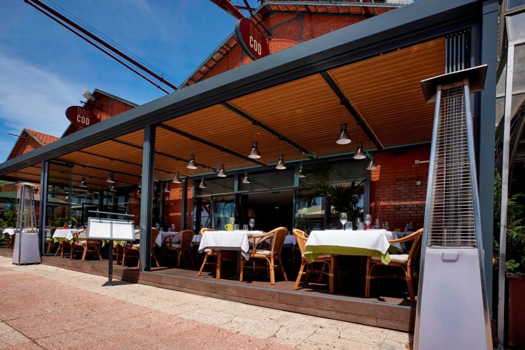 Restaurante: À beira Tejo onde aquecem as brasas o tamanho é qualidade