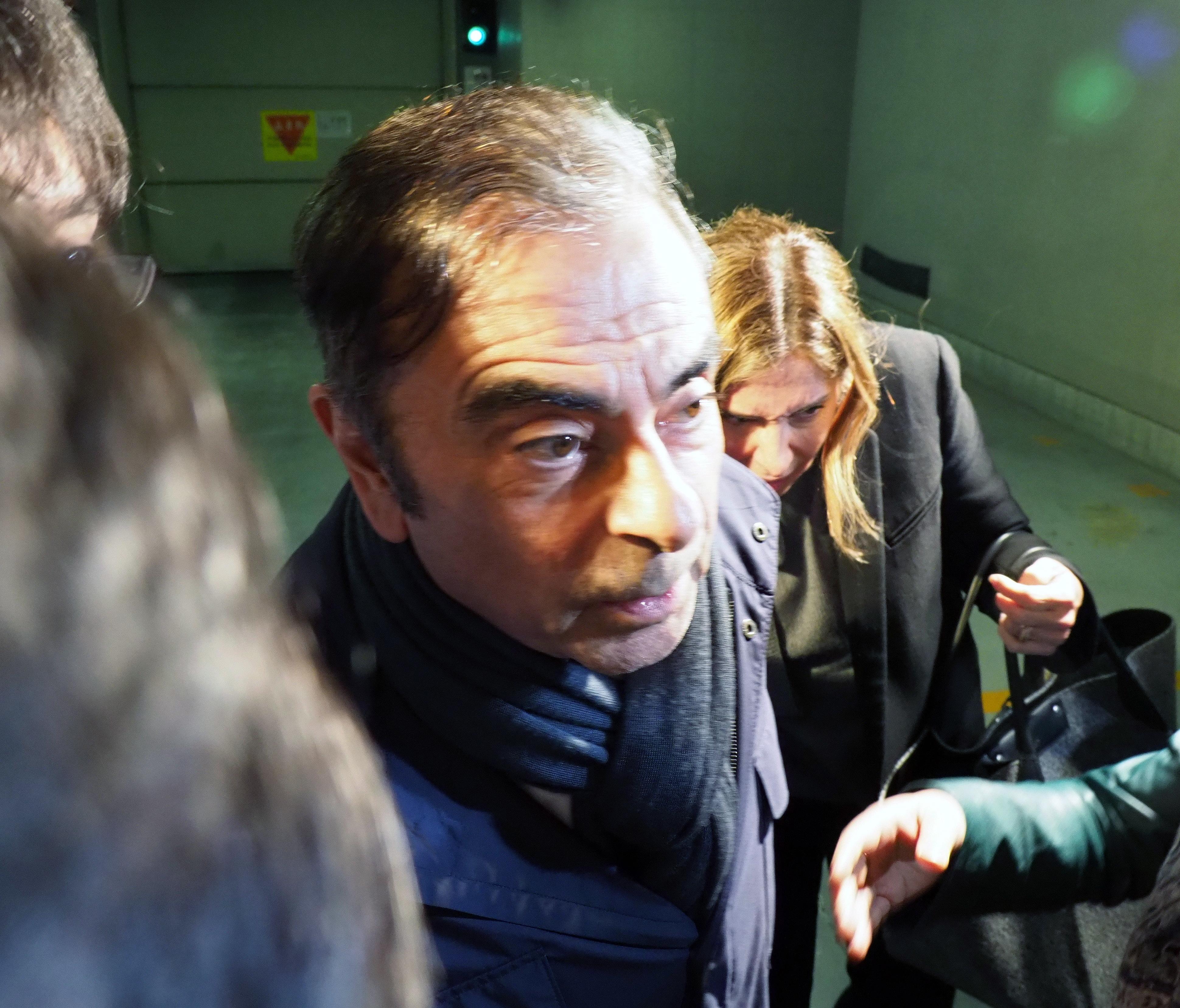 Tribunal de Tóquio aceita libertação sob caução de ex-presidente da Nissan