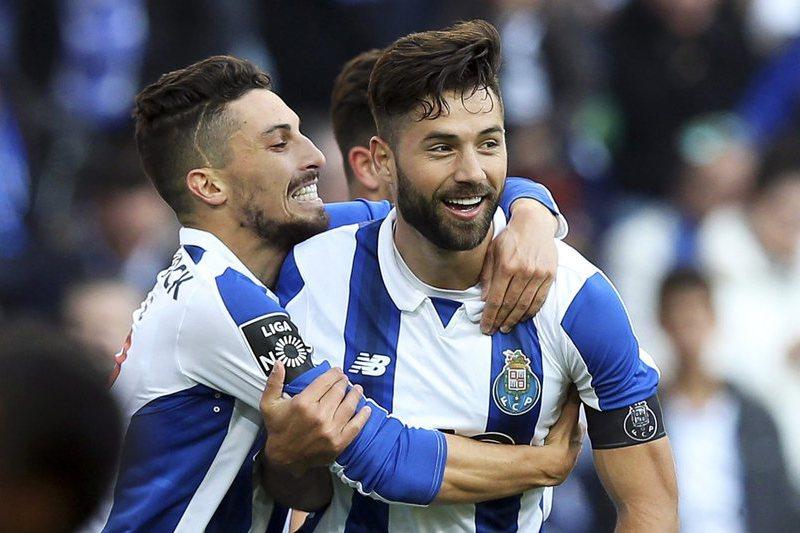 Dupla do FC Porto idêntica em tudo, menos nos golos
