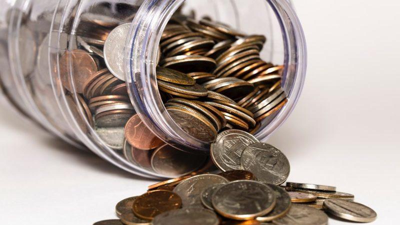 Filhos até aos 25 anos e rendimentos até 8.120 euros podem entrar no IRS dos pais