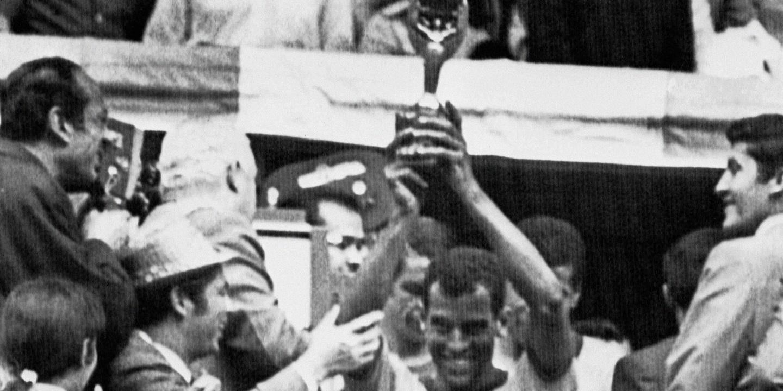 Carlos Alberto Torres, o capitão que só tinha amigos