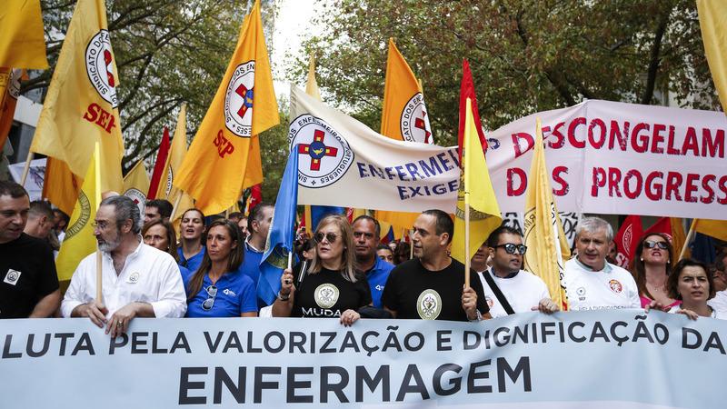 Enfermeiros: Sindicatos recomendam a grevistas que trabalhem 6.ª feira por causa de tolerância de ponto e Natal