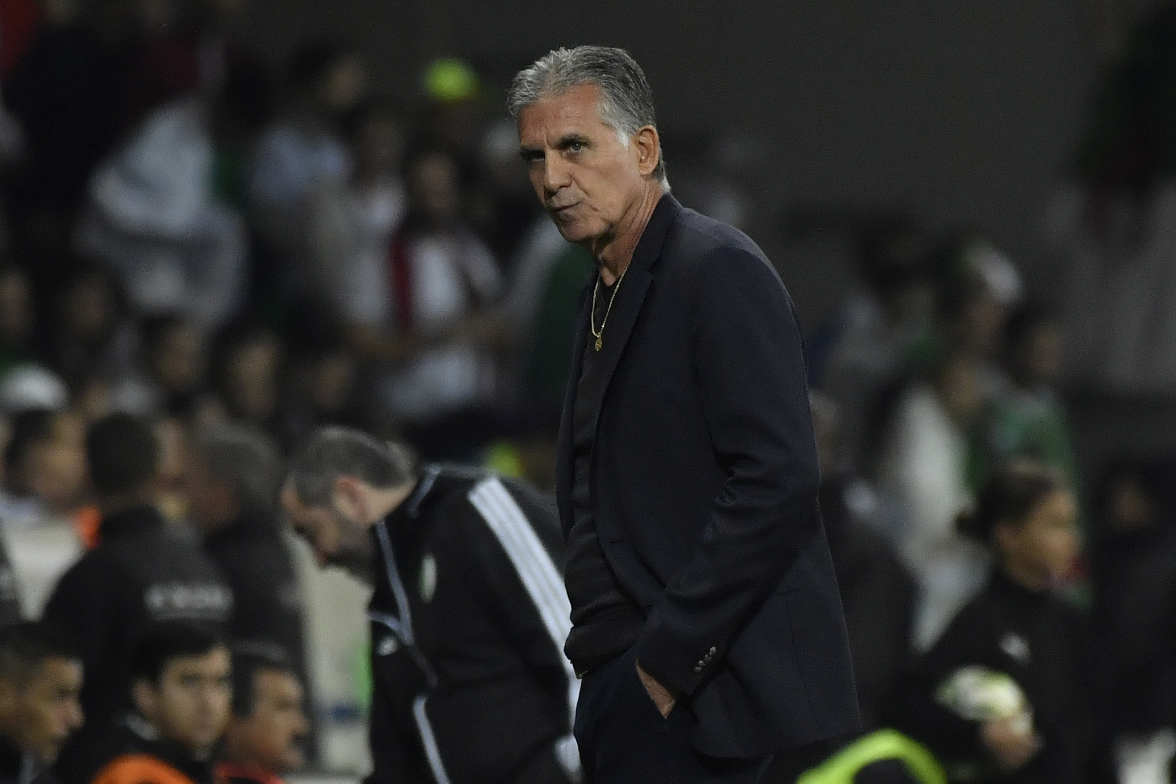 Carlos Queiroz oferece-se para baixar salário na seleção da Colômbia