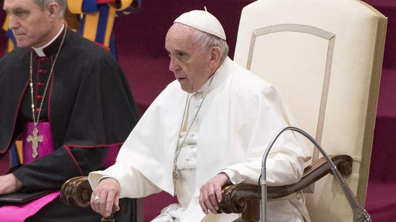 Papa aponta os pecados do jornalismo: desinformação, calúnia e difamação