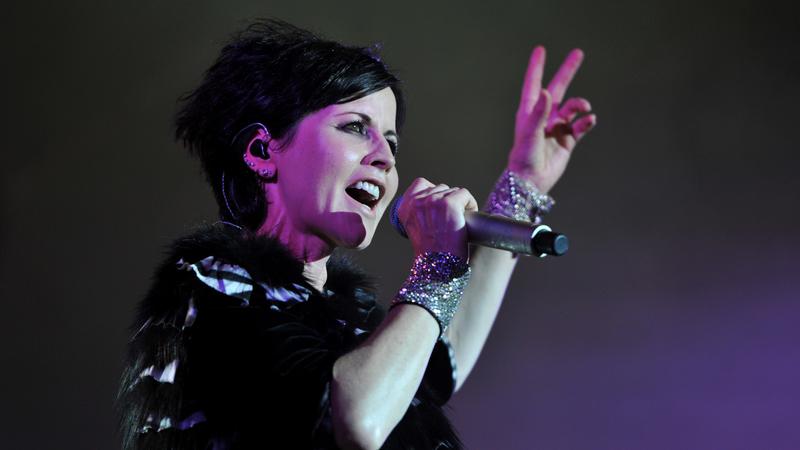 Dolores O'Riordan: Milhares de fãs no adeus à vocalista dos Cranberries