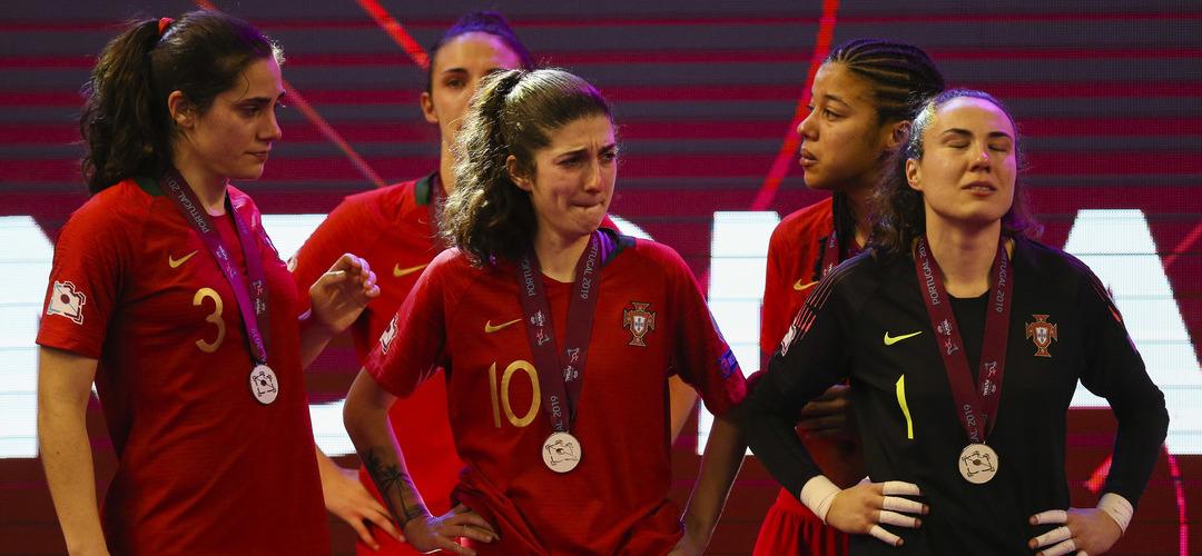 """Selecionador explica derrota no Europeu de Futsal: """"O estado psicológico das jogadoras foi determinante para não termos vencido"""""""