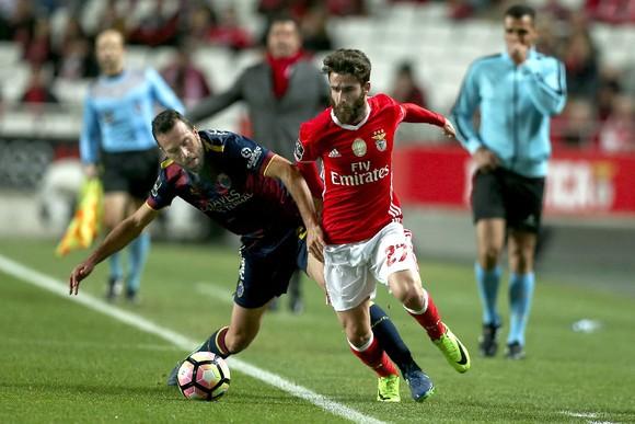 Dragões Diário ataca arbitragem no Benfica-Chaves
