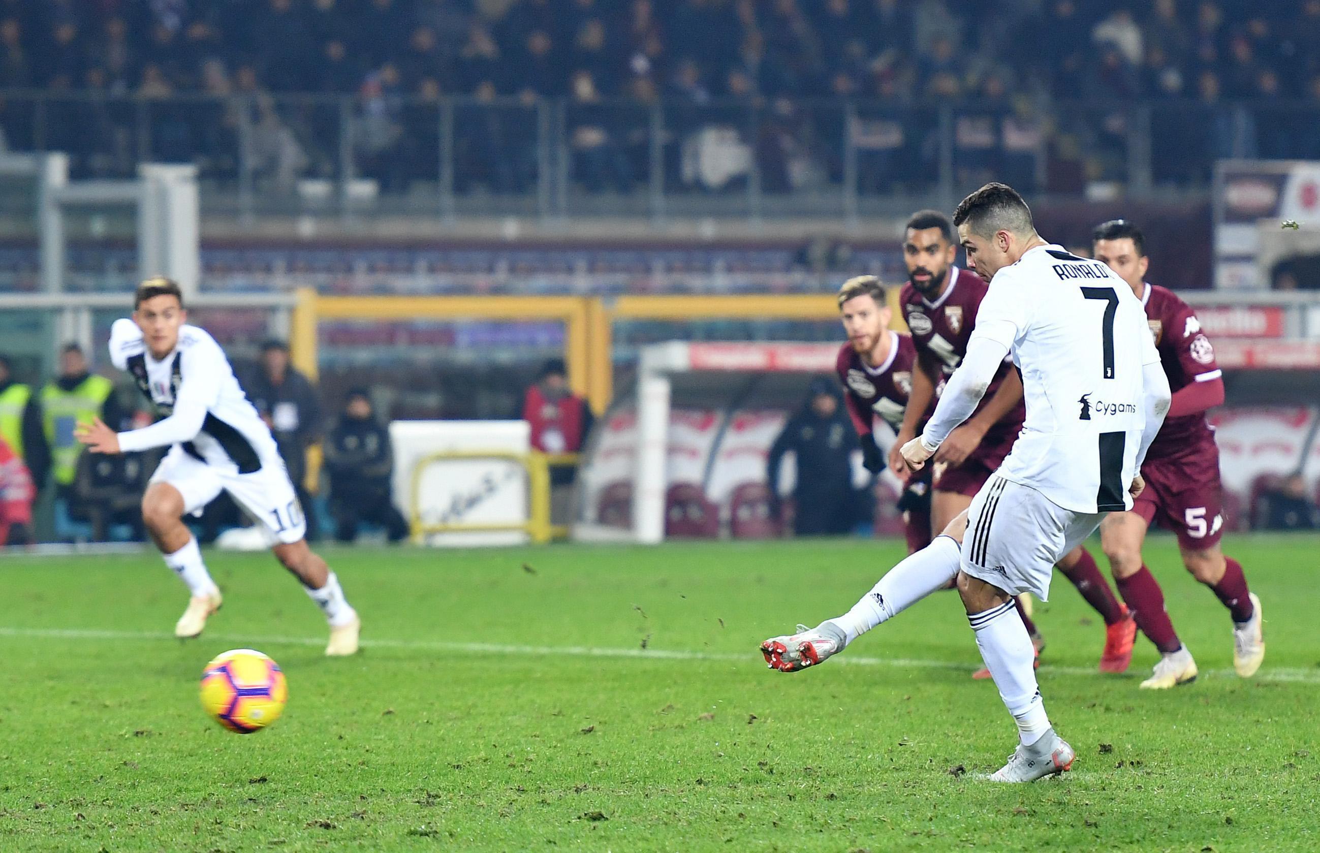 Juventus vence Torino com penálti de Cristiano Ronaldo