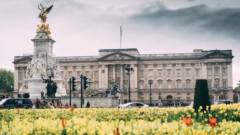 Da Calçada dos Gigantes ao Palácio de Buckingham: 15 atrações do Reino Unido para visitar sem sair de casa