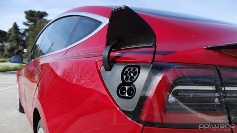 Carros elétricos ganham expressão na Europa apesar da crise no segmento automóvel