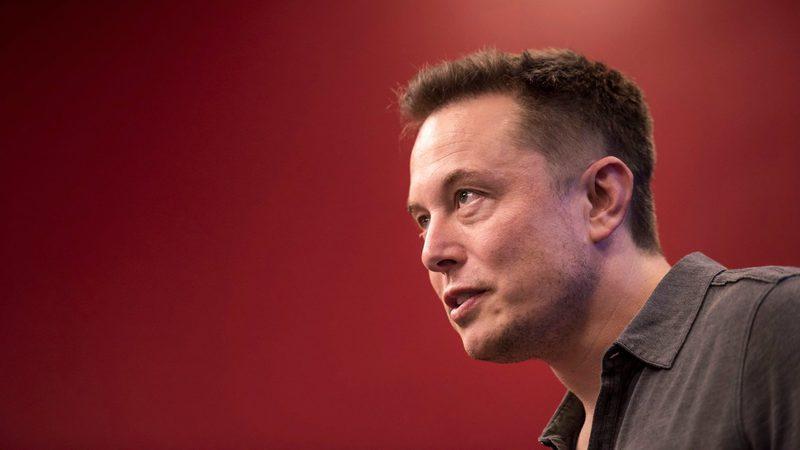 """""""Eu não respeito a SEC"""", diz Elon Musk após multa de 20 milhões de dólares"""