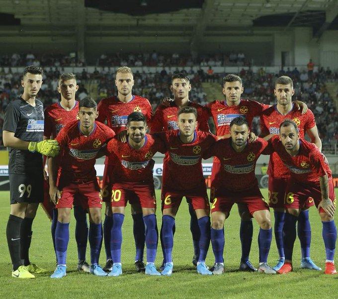 Adversário do Vitória SC na Liga Europa tem novo treinador