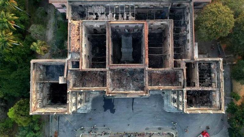 Após o incêndio. Missão da Unesco quer recuperar peças destruídas no Museu Nacional do Brasil com impressão 3D