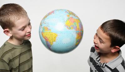 É bom ou mau as crianças terem amigos imaginários?