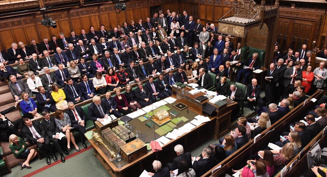 Brexit: Parlamento britânico trava Boris Jonhson e adia decisão sobre o acordo de saída da UE